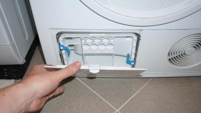 Kondenstrockner - Flusensumpf reinigen ohne das Gerät zu zerlegen (BSH)
