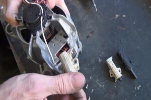 Bauknecht Waschmaschine - Motorkohlen wechseln